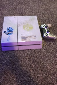 PS4 works good Negotiable price special way to turn it on