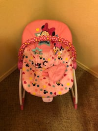 baby's pink and white floral bouncer El Paso, 79924