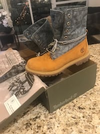 Timberland woman size 8.5 almost new Vaughan, L6A