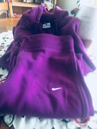 Purple and pink nike pullover hoodie Toronto, M9N 1Y3