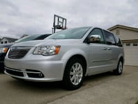 Chrysler - Town and Country - 2011 Detroit