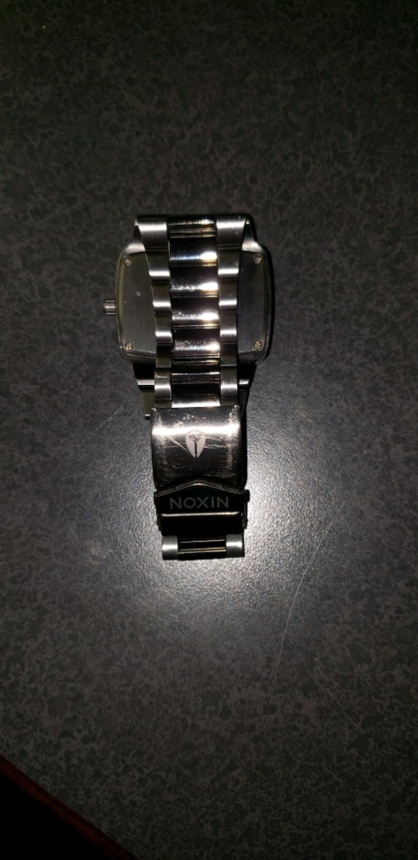 Nixon the player watch new battery  8