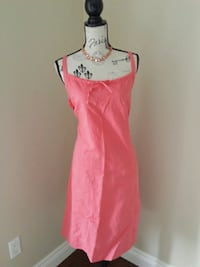 Vintage coral sundress with necklace. Size 14 Toronto, M6L 2R7