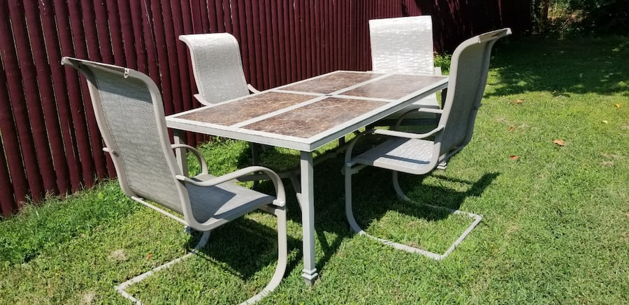 Outdoor Dining Set 1