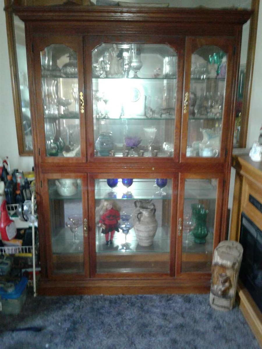 Used Brown Wooden Framed Glass Door Display Cabinet In Taylor Letgo