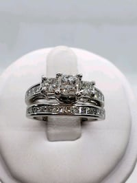 14k gold 1.50ct vs clarity engagement ring with matching wedding band Croydon, 19021