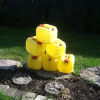 six yellow containers chlorine containers brand new Wainfleet, L0S