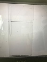 White top-mount refrigerator Montclair, 91763