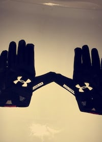 Underarmor Cold Gear Football Gloves Milford, 06461