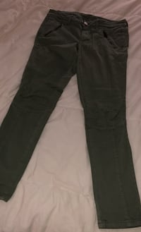 AE Olive Pants Size 6 Los Angeles, 91602