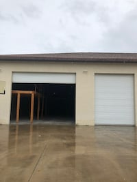 Warehouse/storage unit for rent  Osprey