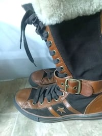 Converse size 9 Women's leather high tops. St. Albert, T8N 4E9