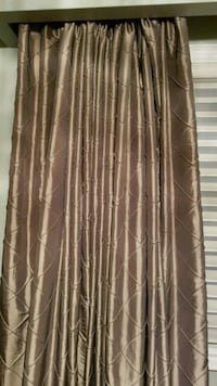 Drapes-silk look, Excellent condition, like new Toronto, M9R 2N6