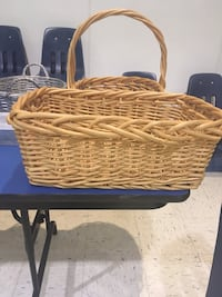 brown wicker basket with lid Hedgesville, 25427