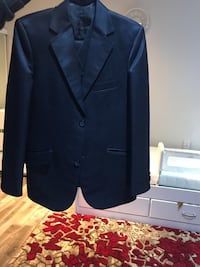 black notch lapel suit jacket Mississauga, L5W 1S9