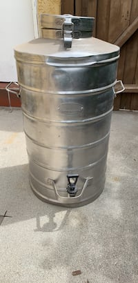 Stainless steel 10 gallons insulated food & beverage container Los Angeles, 91335