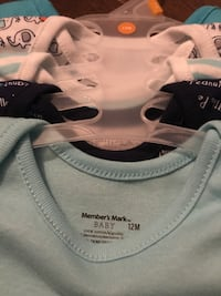 Baby onesies 5pck brand new 12 months Vaudreuil-Dorion