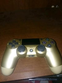 PS4 Gold controller Jefferson, 30549