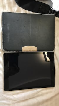Space grey iPad air 16 gb cellular Ottawa, K1N 6N5