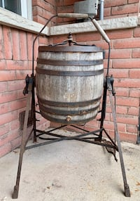 Antique butter churn Whitby, L1R 3P1