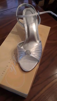 Ladies bridal dress shoes Brampton