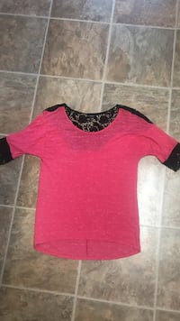 Size M shirt, excellent cond. smoke free no holds Halls meet only Knoxville, 37938