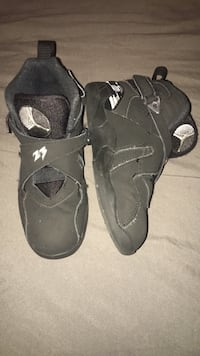 Children's Jordan's Sz 12.5  Washington, 20024