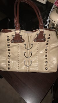 women's white leather shoulder bag Winnipeg, R2V 4B7