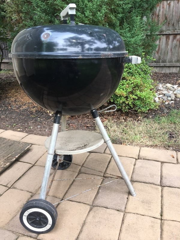 Used Charcoal Grill For In Metuchen