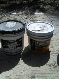 two white plastic paint buckets Silver Springs, 34488