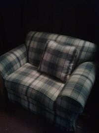 Xl wide couch chair Glen Burnie, 21061