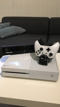 XBOX ONE med masse spill Askim, 1813