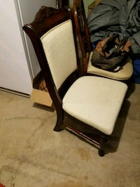 Dining room chair excellent condition  Aliquippa, 15001