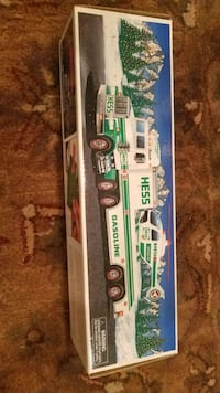 1995 Hess truck and helicopter