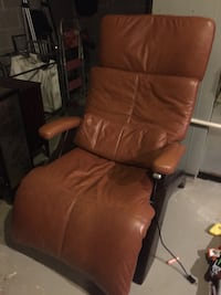 brown leather padded rolling armchair Ridgewood, 07450
