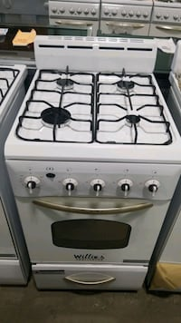 New Willie's natural gas Stove 20inches.  Queens