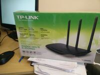 TP-Link 450 Mbps wireless N Router Toronto, M1R 1W2