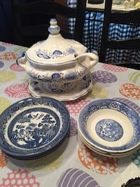 Delft plate and jar Steubenville, 43952