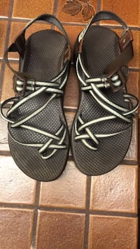 chaco womens size 10 Bloomington, 55425