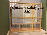 Wooden adjustable safety gate  Alexandria, 22310