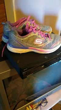 pair of gray-and-pink Nike running shoes McMinnville, 37110