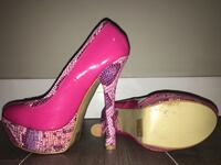 Pair of pink platform stilettos Maple Ridge, V2X 0C9