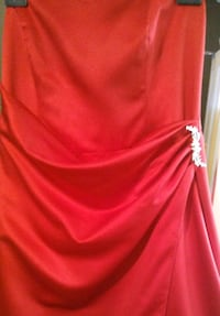 Red Gown Size 16 Calgary, T2K 2J4