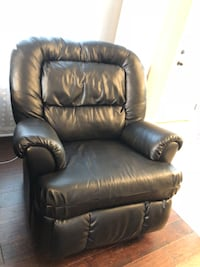 Black Leather Recliner sofa Clarksville, 37042