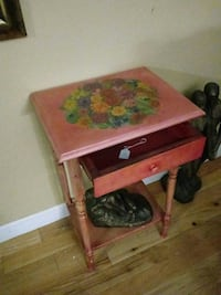 Handpainted end table Plymouth, 02360