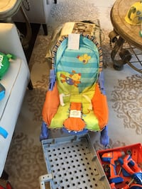 Baby's blue and yellow bouncer Reduced $15:0 Toronto, M6B 2A8