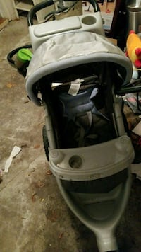 baby's black and gray stroller Montreal, H3R 3L4