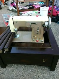 white and silver electric sewing machine Barstow, 92311