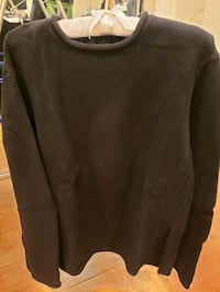 DKNY sweater pull over