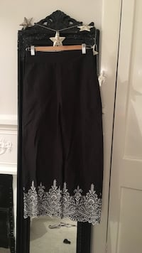 Black and white floral trousers London, SW6 6LN
